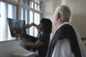 Dr Vicky Brander e Padre Airton Freire